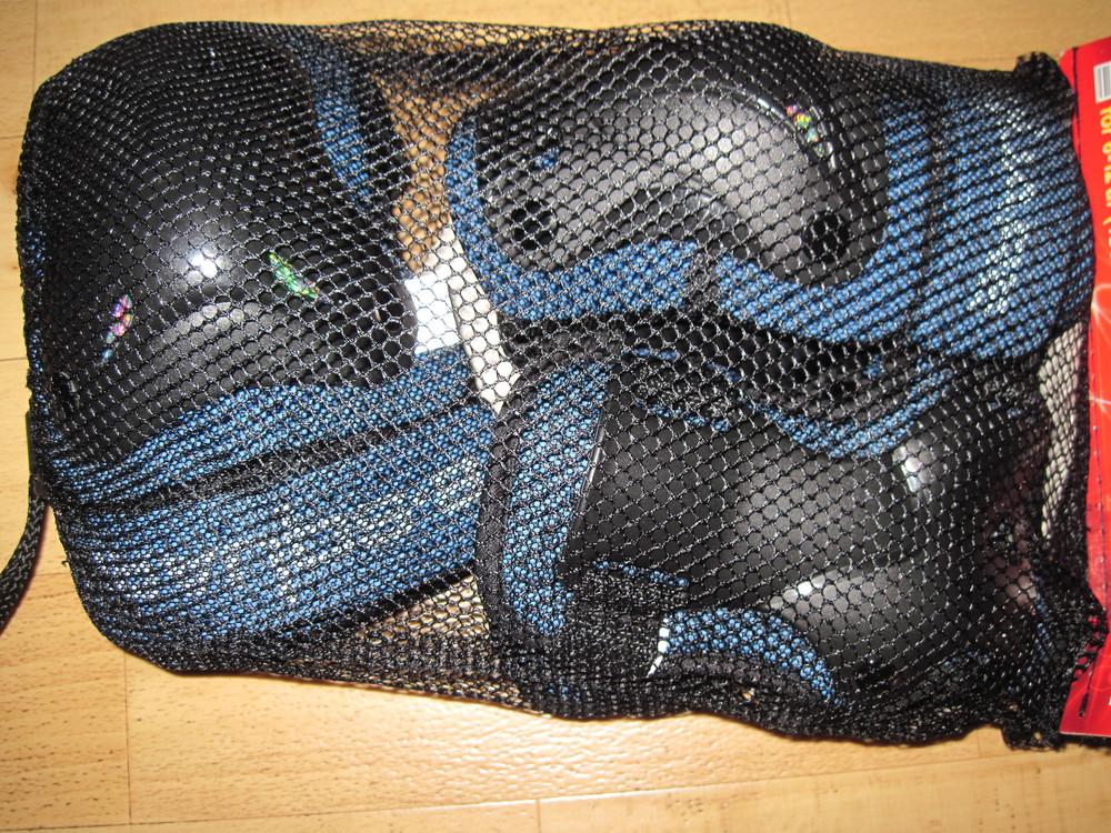Новый комплект - защита - наколенники, налокотники, напульсники, на 8-12лет фото №1