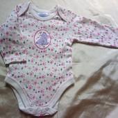 Милый бодик Disney для девочки 0-3 месяцев, ростом 62 см.  100% хлопок. В идеальном состоянии.