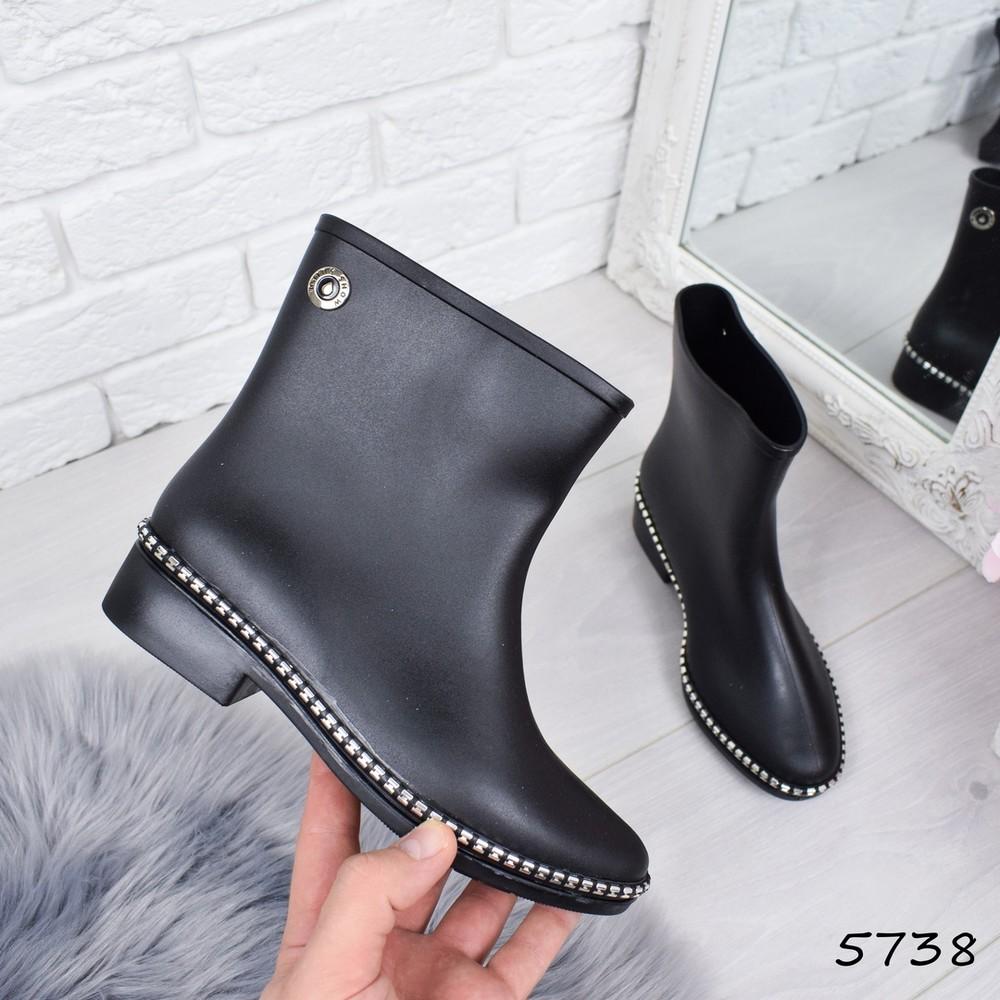 Резиновые ботиночки с декором фото №1