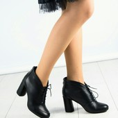 Демисезонные черные ботильоны на шнуровке. Натуральная кожа