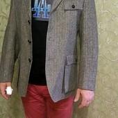 Теплый,стильный ,мужской пиджак,размер L