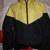 Стильная спортивная фирменная курточка ветровка бренд  Urban Spirit.л-хл .