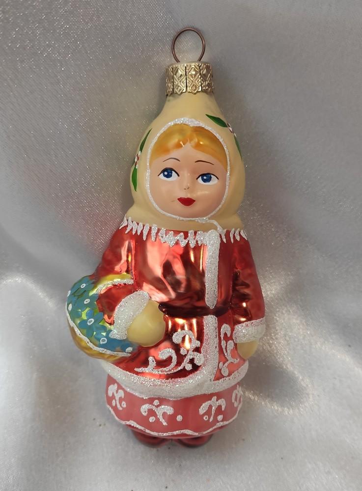 Стеклянная игрушка девочка с подснежником фото №1