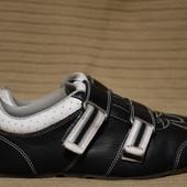 Отличные черно-белые фирменные кожаные кроссовки The ART Company испания 44 р.
