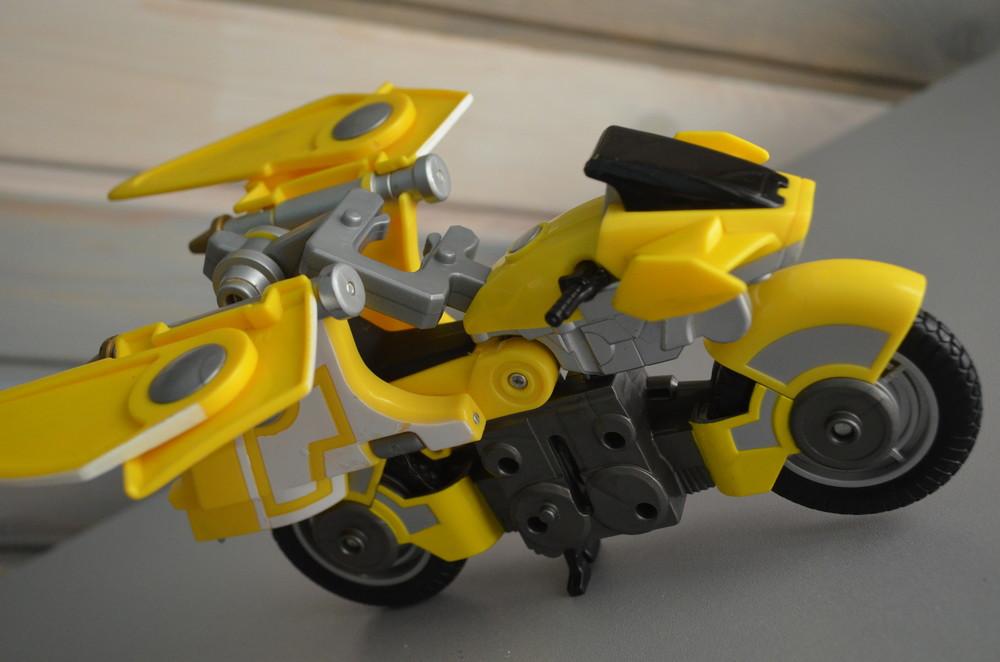 Мотоцикл bandai самолет трансформер фото №2