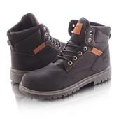 Мужские высокие зимние ботинки черного цвета