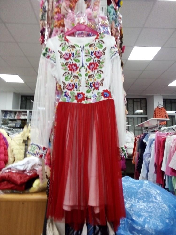 Плаття-вишиванки для важливих подій фото №1