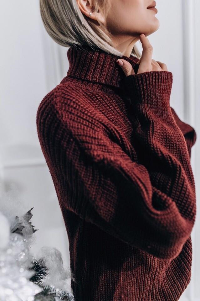 Женский теплый и яркий свитер фото №6