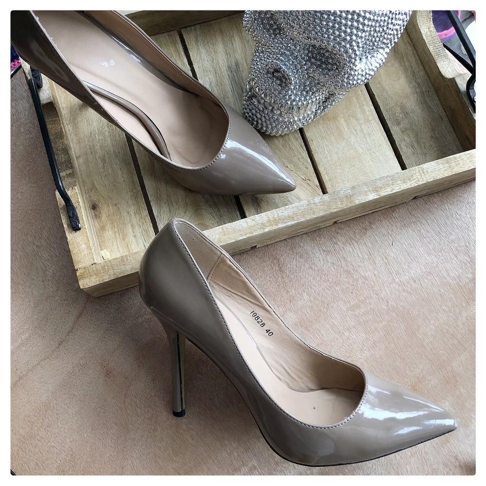 a57785f68 Лаковые туфли лодочки рр 39-40, цена 360 грн - купить Туфли бу - Клумба