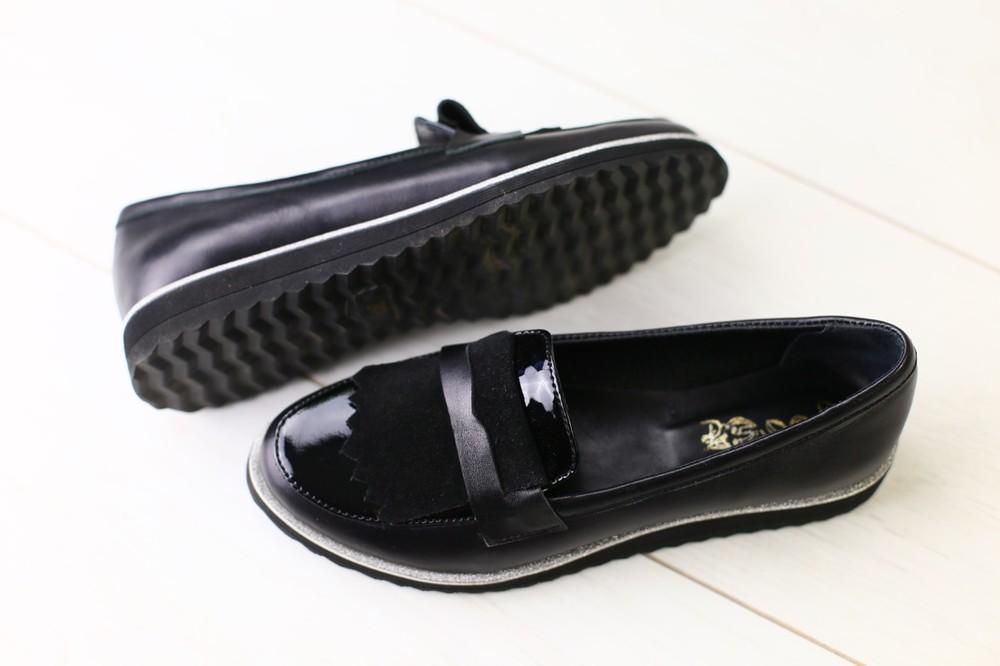Женские лакированные туфли черного цвета фото №1