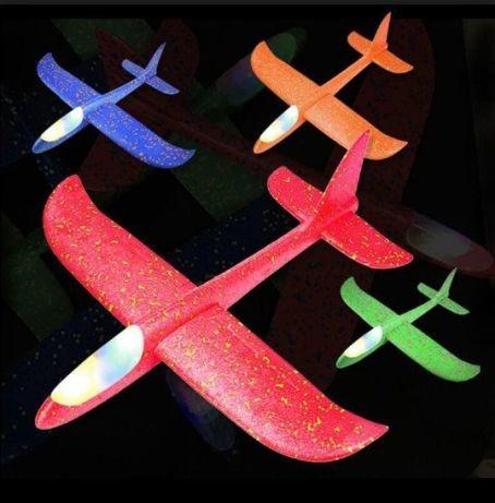 Самолет со светом планер 5 цветов в наличии (фото) фото №1
