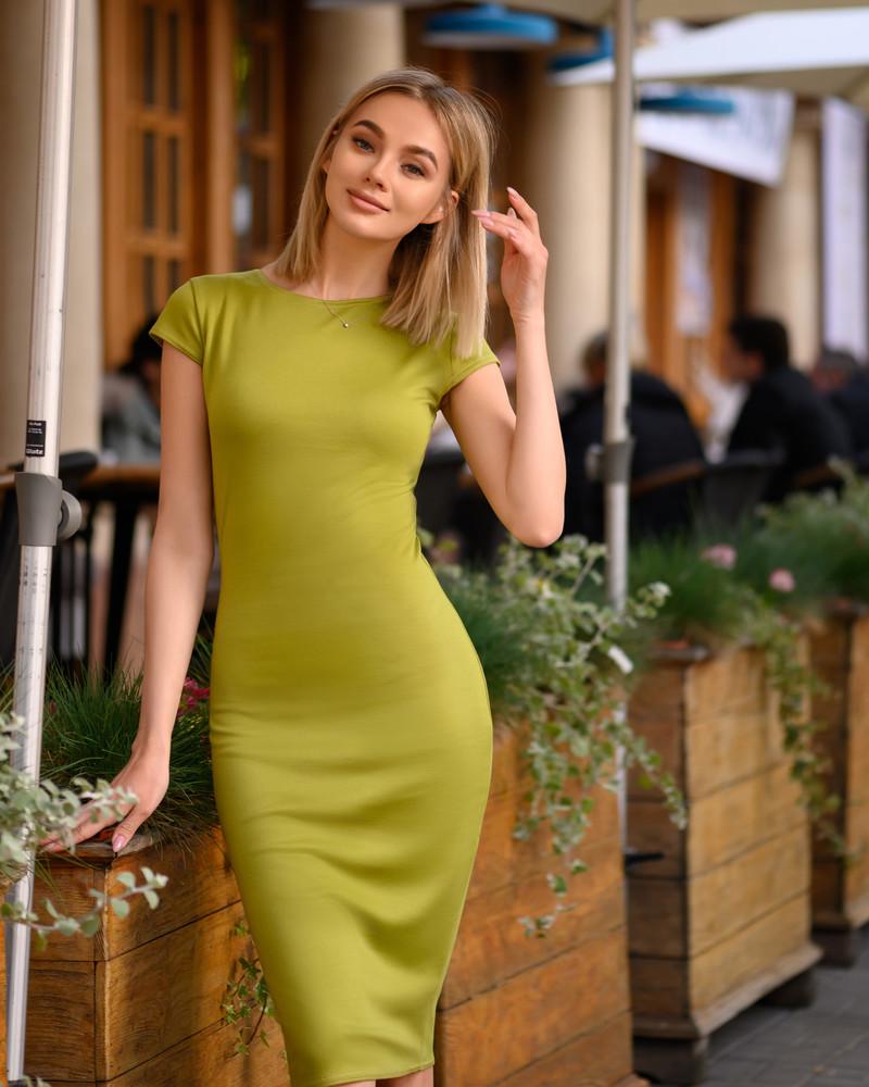Стильное платье-футляр(40-52рр) насыщенные цвета в ассортименте фото №1