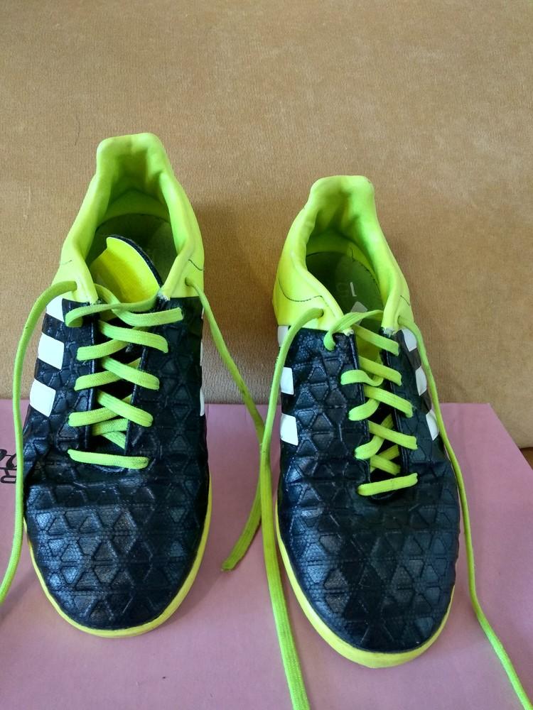 Фирменные бутсы adidas фото №1
