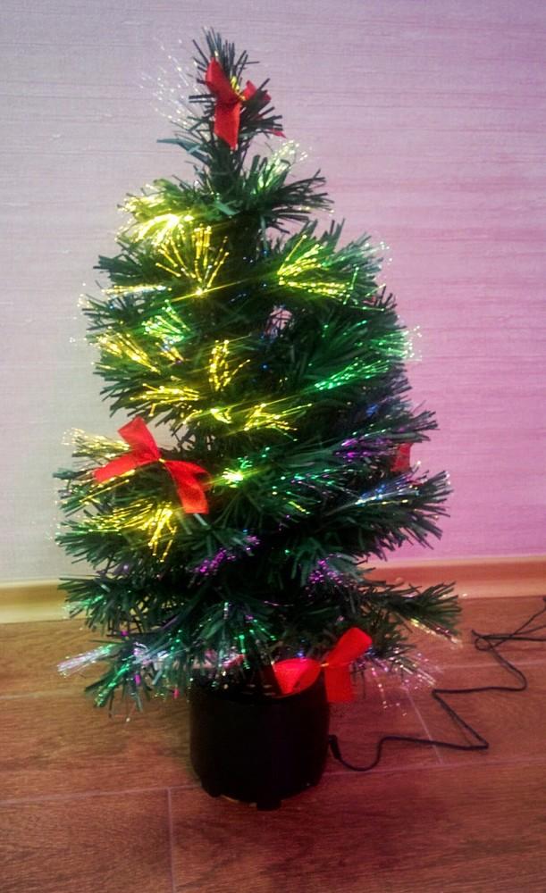 Елка новогодняя оптоволоконная, светящаяся и крутящаяся 60 см, искусственная ель светиться, крутит фото №1