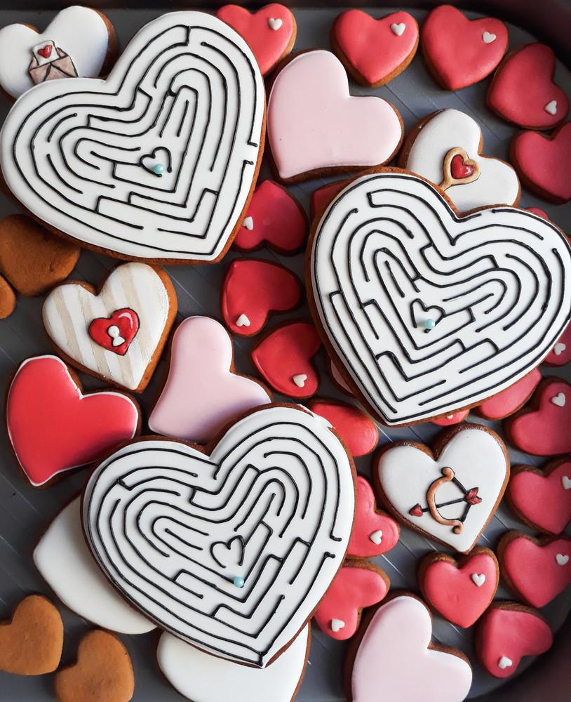 Пряники- валентинки, космос, лабиринт, сердце, коты, саймон фото №1