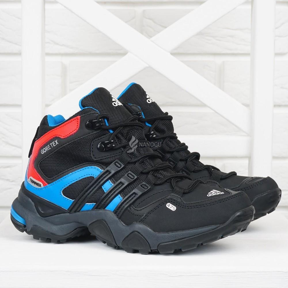 Термо кроссовки кожаные adidas gore tex terrex женские черные с синим и красным фото №1