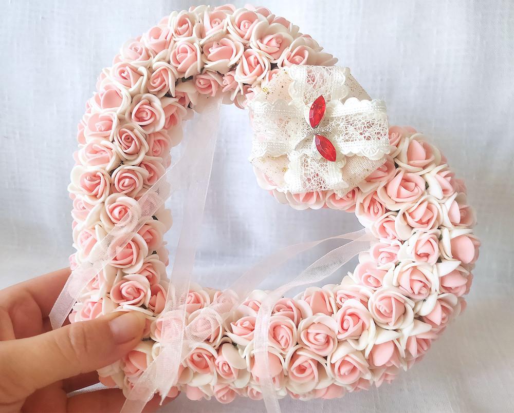 Свадебная подушечка для обручальных колец сердце из роз персиковая эксклюзив люкс фото №1