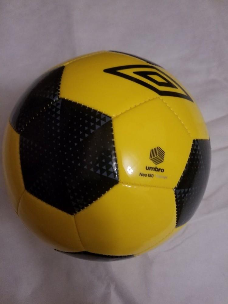 Футбольный мяч umbro - оргигинал фото №1